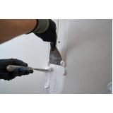 material para aplicação de gesso liso na parede